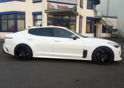 Kia Stinger Brock B35